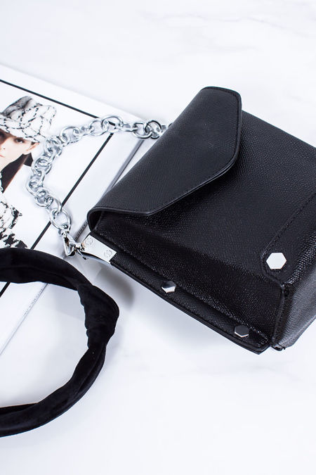 HATTIE Black Square Stud Bag