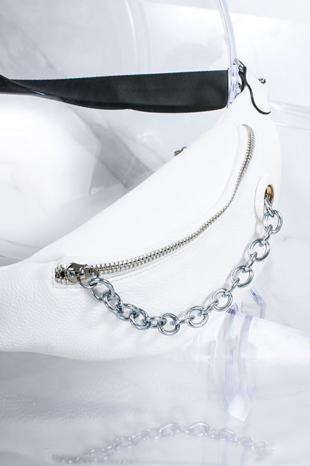ELYSIA White Chain Zip Bum Bag