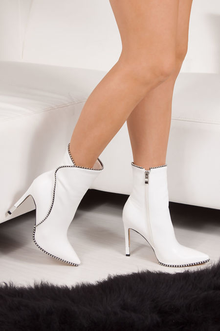TRINITY White Stiletto Pointed Toe Stud Boots